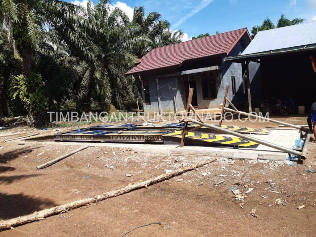 Timbangan Truk Tornado di Koperasi Permata Mulya (3)