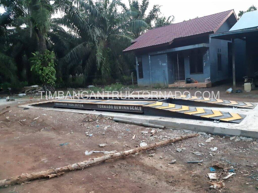 Timbangan Truk Tornado di Koperasi Permata Mulya (7)